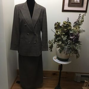 Harve Bernard suit
